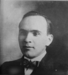 B & W Portrait Photo of Max Augustus LINN