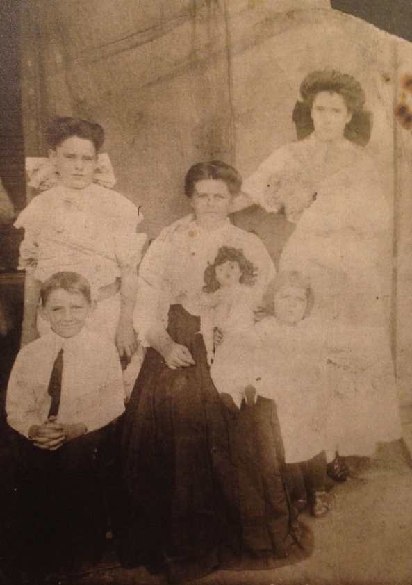 Picture of 'Mattie' STEPHENS DENTON with children and doll